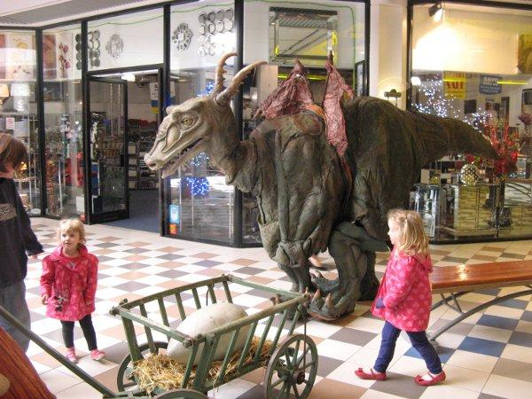 Dragon meets shoppers in Sutton shopping centre