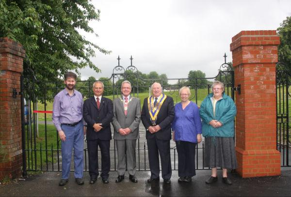 Mayor of Sutton opens new Carshalton Park gates