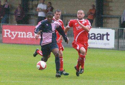 Flyer: Nyren Clunnis in action for Dulwich Hamlet against Hythe Town last Saturday  	SP68679