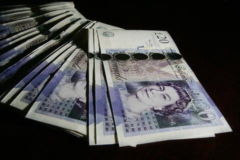 Be on the lookout for fake £20 notes