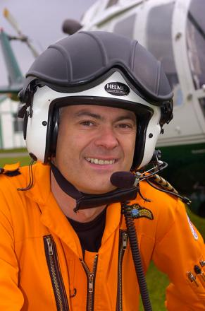 Funeral takes place for Nine Elms helicopter crash pilot Captain Pete Barnes