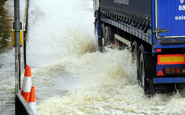 Environment Agency issues warning as threat of flooding continues this weekend