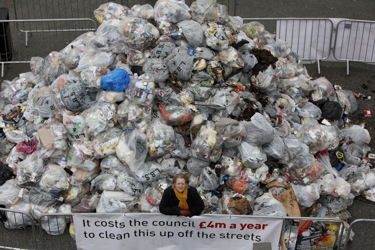 Eleven tonne rubbish mountain 'dumped' in Sutton High Street