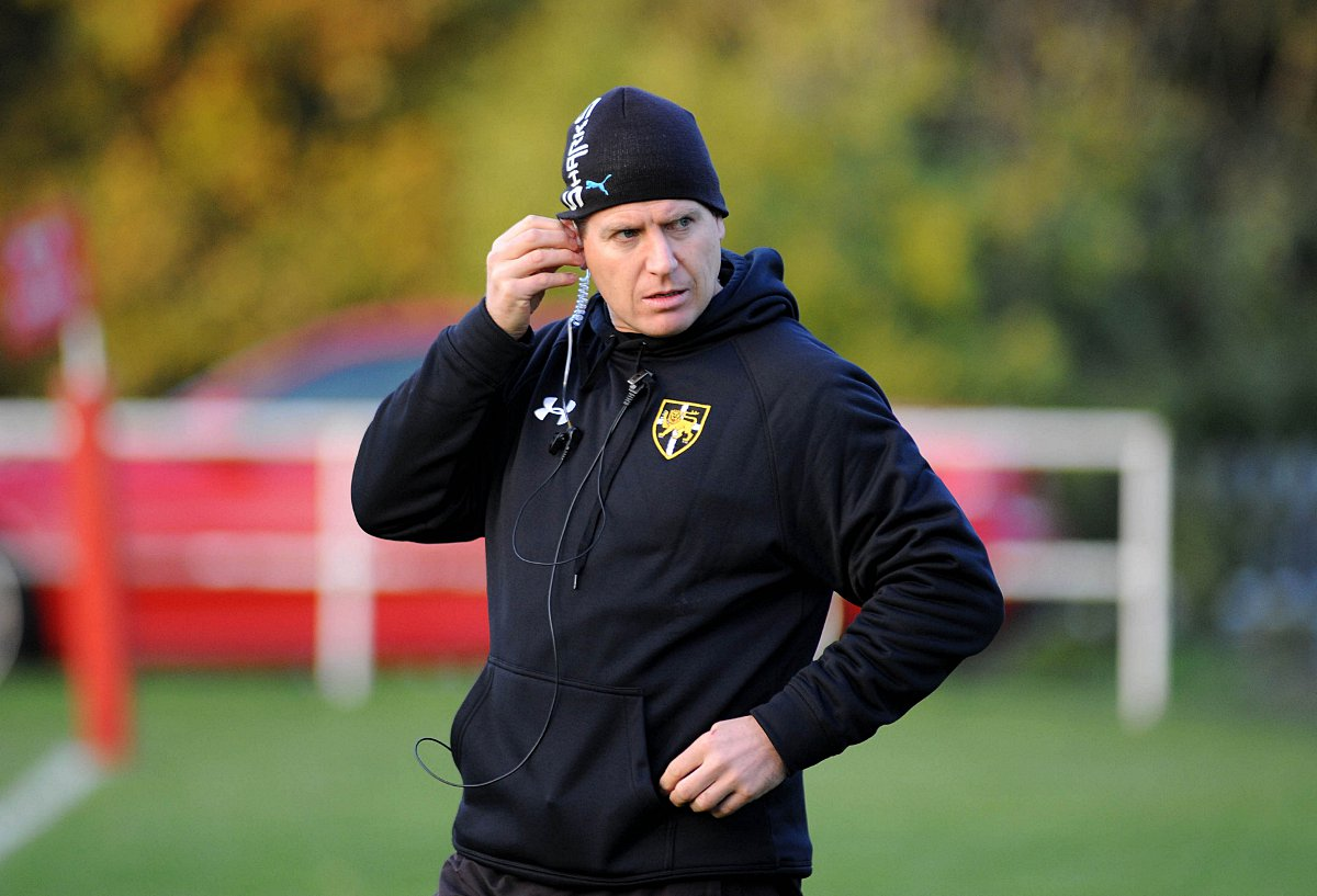 Battle lines drawn in Esher for season ending derby clash