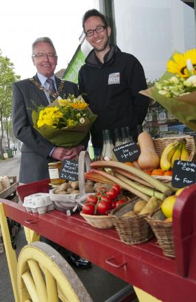 Sutton's mayor Councillor Sean Brennan with Mark Caswell, of The Carshalton Patch
