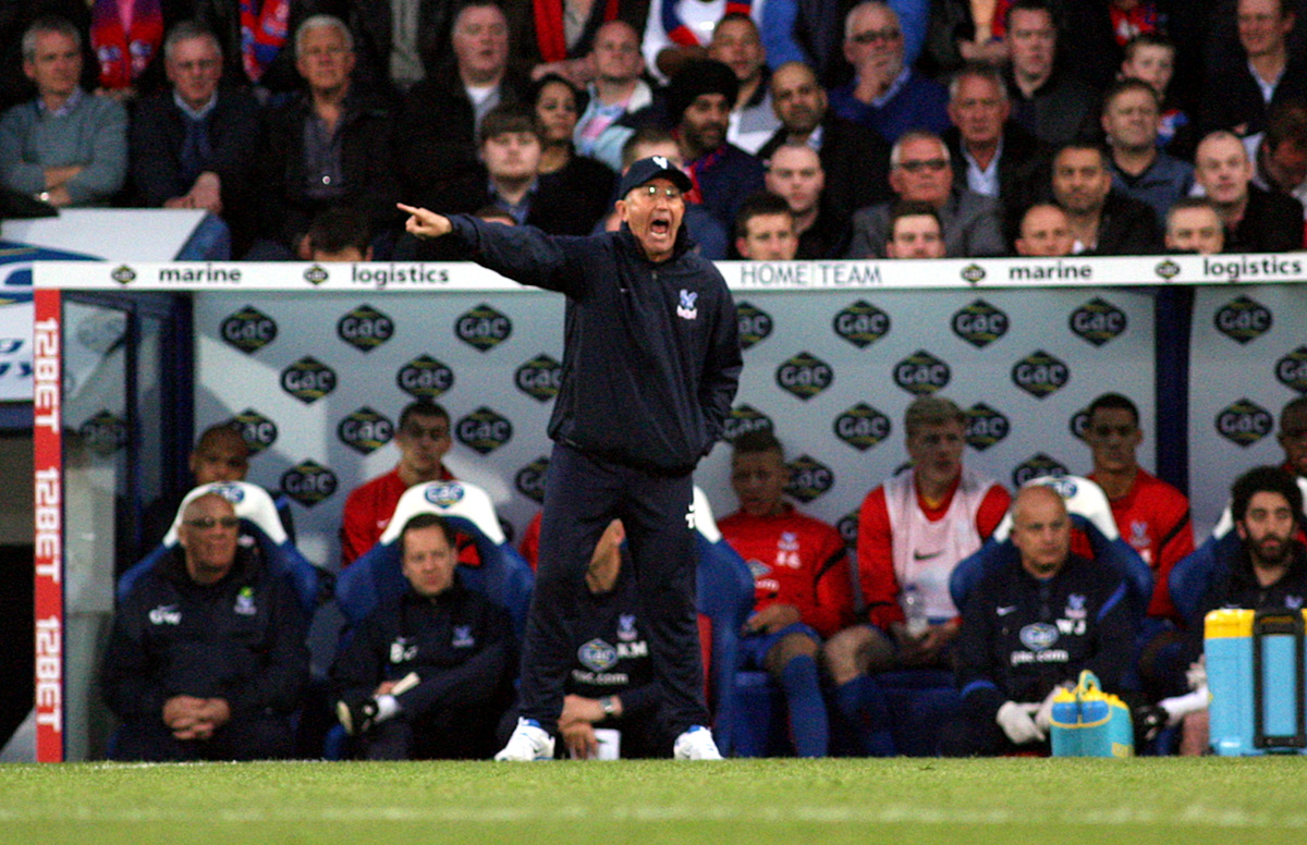 Sutton Guardian: Tony Pulis issues instructions