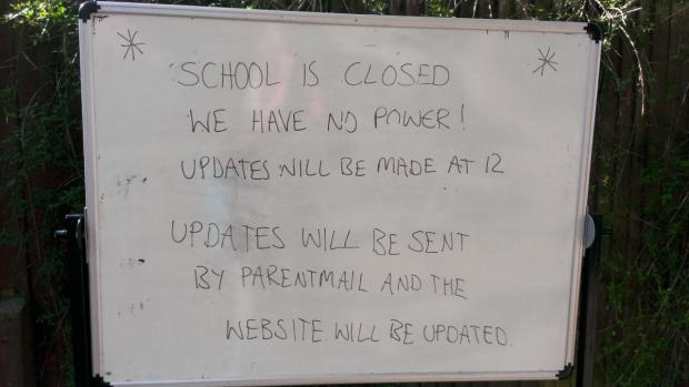 Sutton Guardian: A notice outside the school (pic: Coun Mary Burstow)