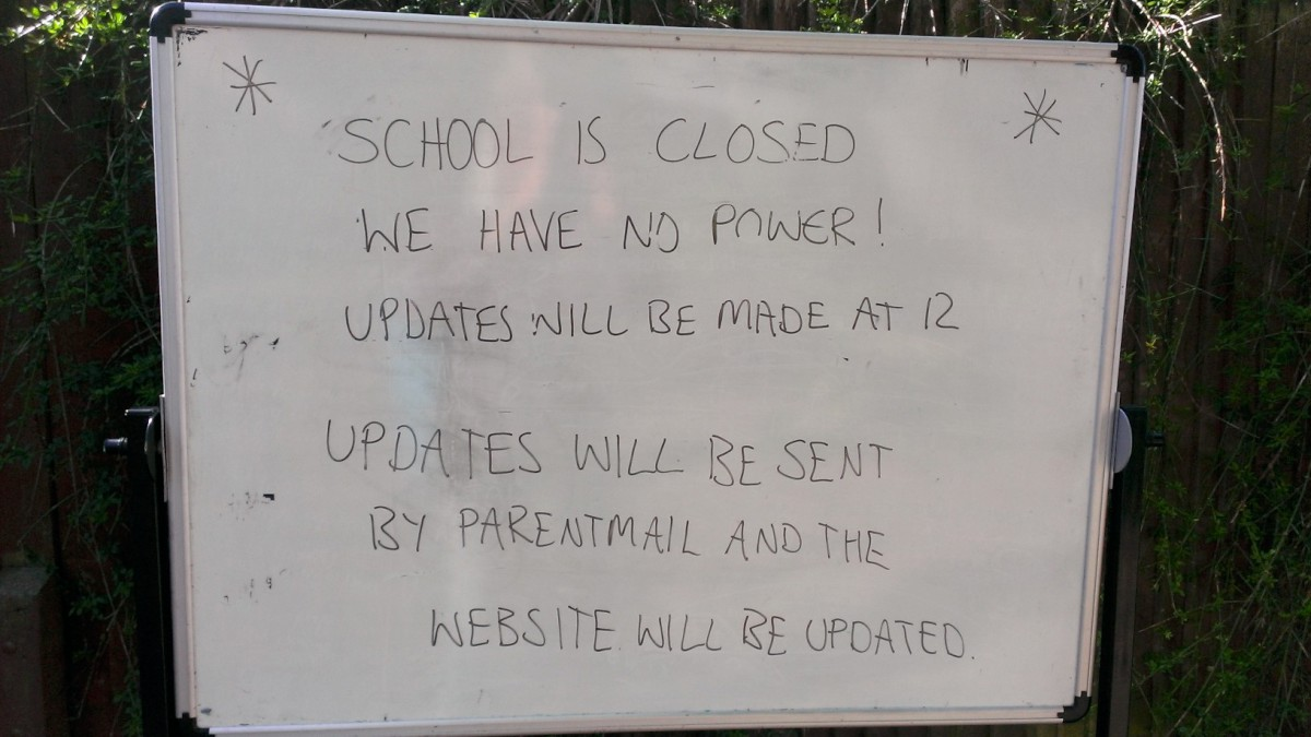 A notice outside the school (pic: Coun Mary Burstow)