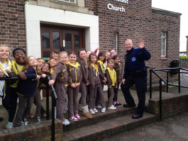 SUTT YELL Brownies served by Neighbourhood Police