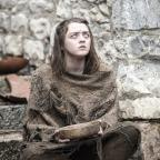 Sutton Guardian: New Game of Thrones photos show Arya blind... And bring major hints about season 6